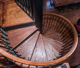 comfort-the-lodge-spiral-stair
