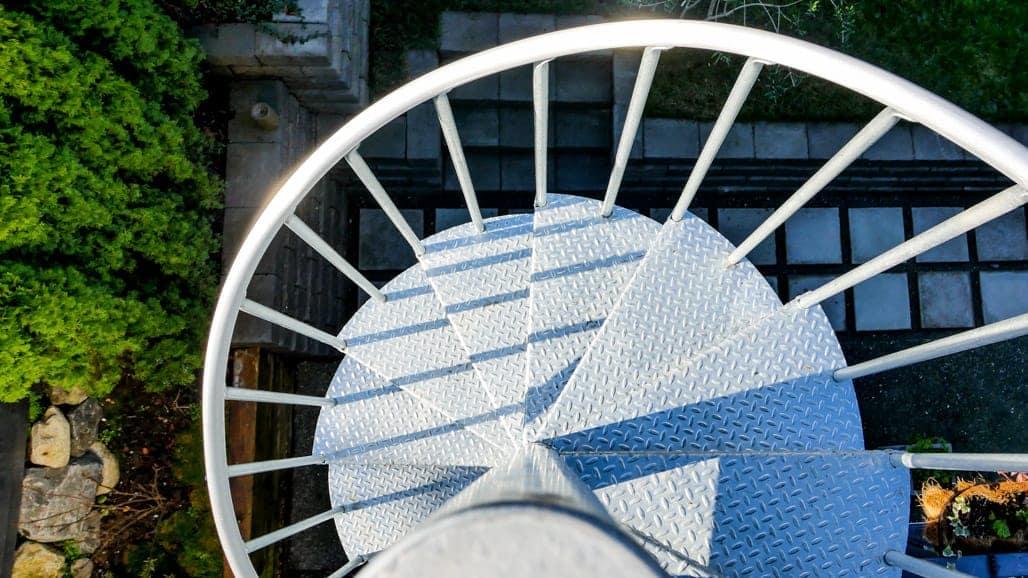 galvanized diamond plate steps for safety