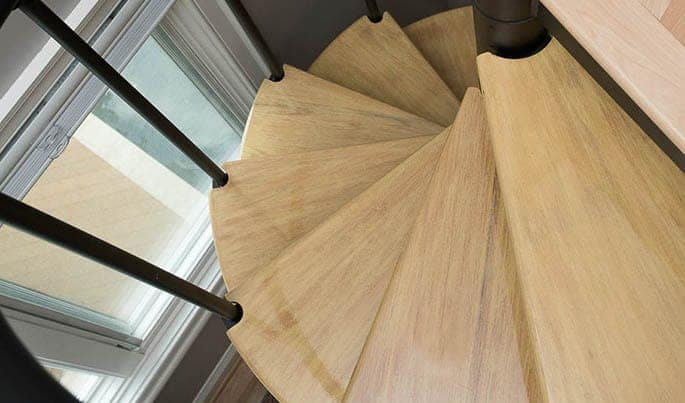 accents-the-vacationer-spiral-stair