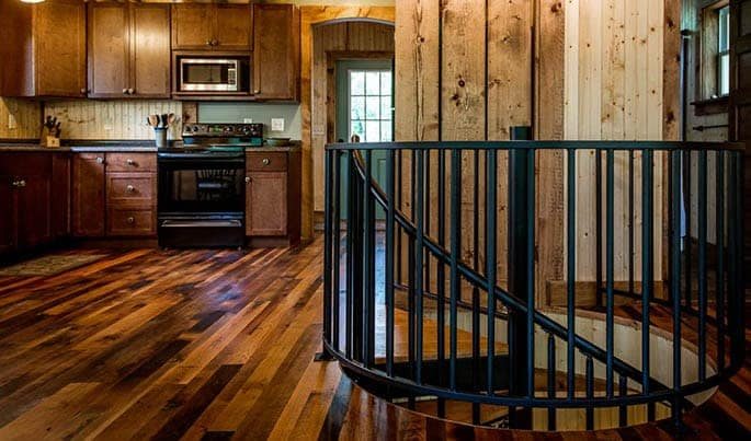 versatile-the-country-club-spiral-stair