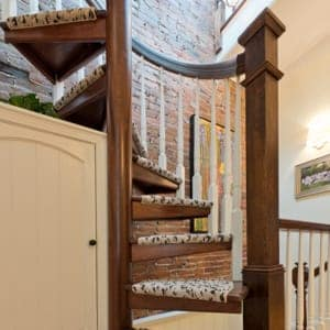 design your tiny house stairs